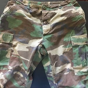 Men's camouflage camo pants authentic size medium